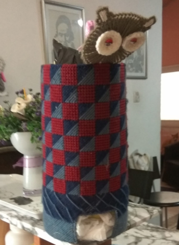 Plastic Canvas Owl bag holder
