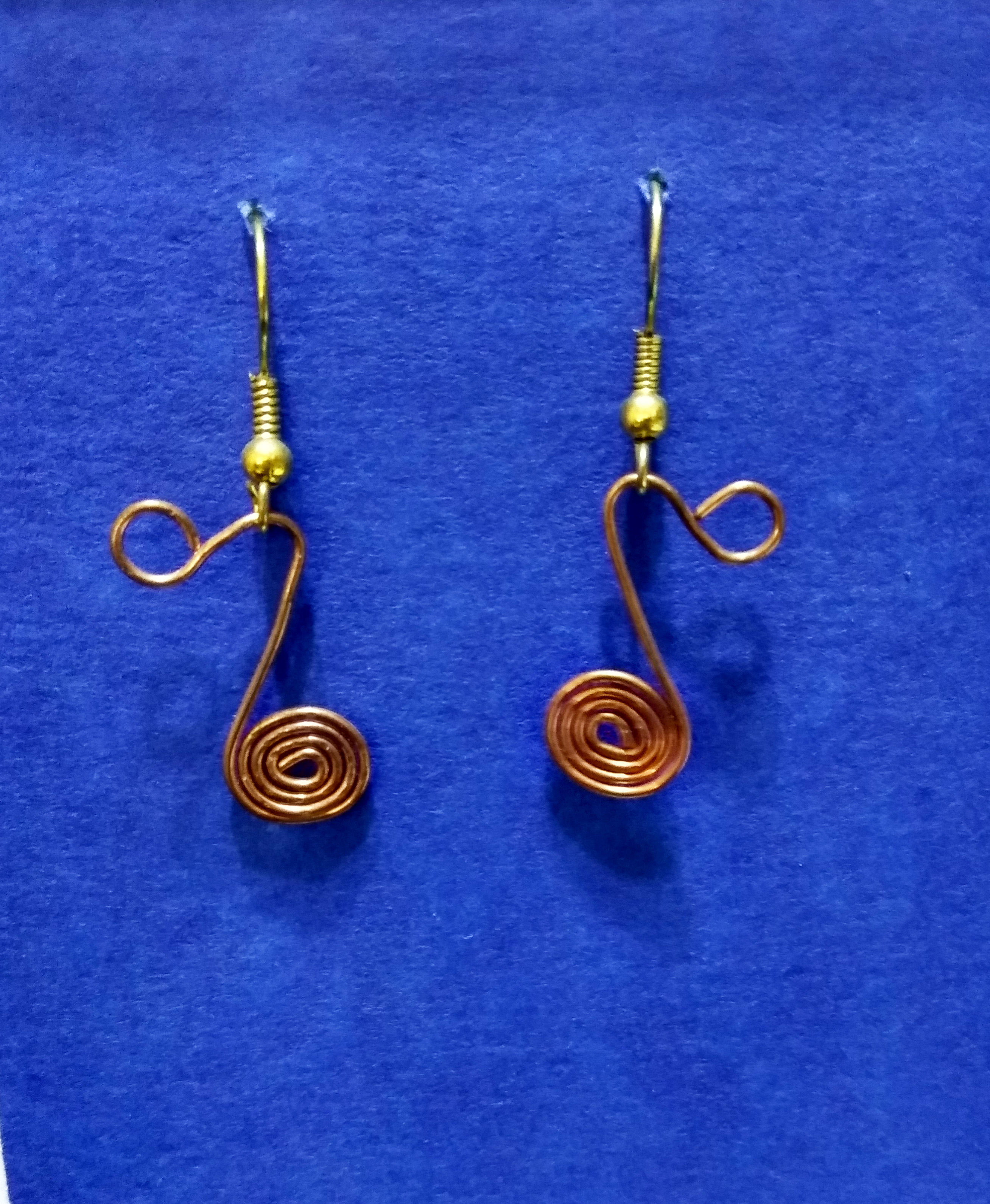 handmade gold wire twist musical note earrings