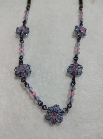 handmade Blue bead flower necklace