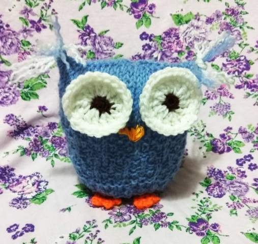 Knitted one square blue Owl