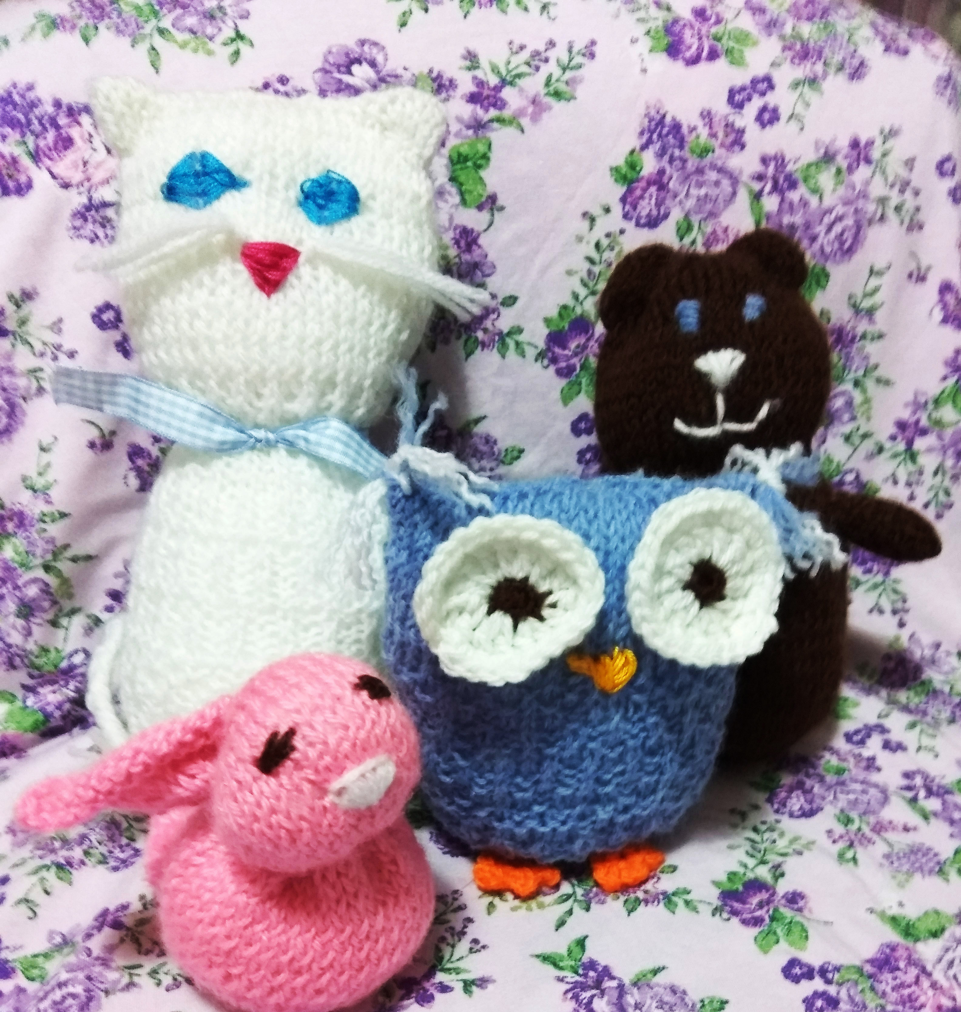handmade One square knit animils